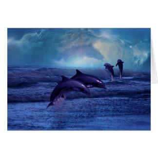 Diversión y juego del delfín tarjeta de felicitación