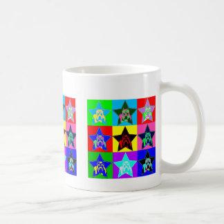Diversión y taza de café colorida del pitbull - de
