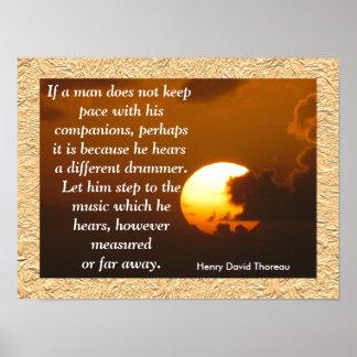 Diverso batería - poster de la cita de Thoreau
