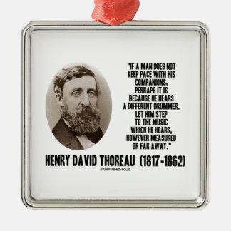 Diverso paso del batería de Thoreau a la música Adorno Navideño Cuadrado De Metal