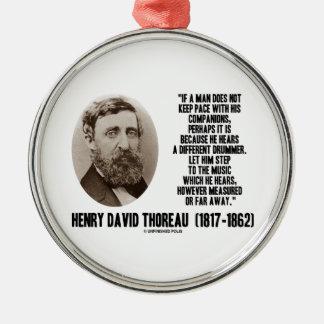 Diverso paso del batería de Thoreau a la música Adorno Navideño Redondo De Metal