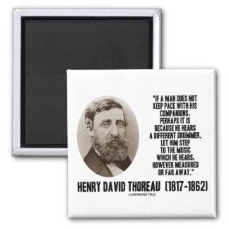 Diverso paso del batería de Thoreau a la música Imán Cuadrado
