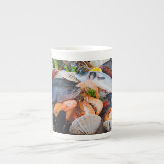Diversos mariscos taza de porcelana