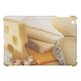 Diversos quesos en la tajadera