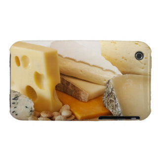 Diversos quesos en la tajadera Case-Mate iPhone 3 protector