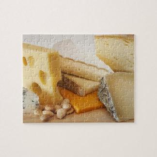 Diversos quesos en la tajadera rompecabezas
