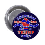 Divertido anti de Donald Trump perforado en cara Pin Redondo De 2 Pulgadas