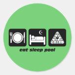 divertido coma la piscina del sueño etiquetas redondas