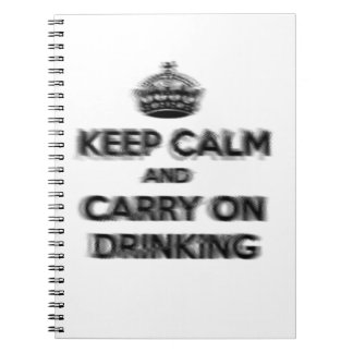 Divertido guarde la calma y continúe el beber libretas