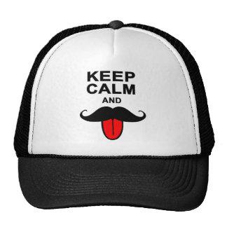 Divertido guarde la calma y el bigote gorro de camionero