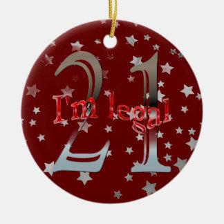 Divertido soy 21ro navidad legal del rojo de las adorno redondo de cerámica