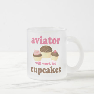 Divertido trabajará para el aviador de las taza de cristal
