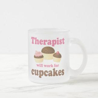 Divertido trabajará para el terapeuta de las magda tazas de café