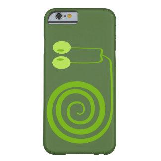 Divertido y alegre caracol verde oscuro de espiral funda de iPhone 6 barely there