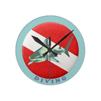 diving flag shark round clock
