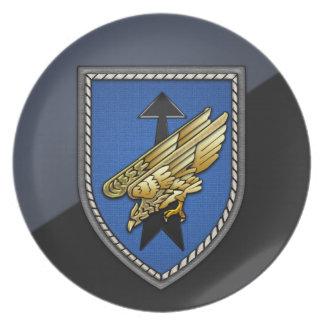 División Spezielle Operationen [DSO] Platos De Comidas