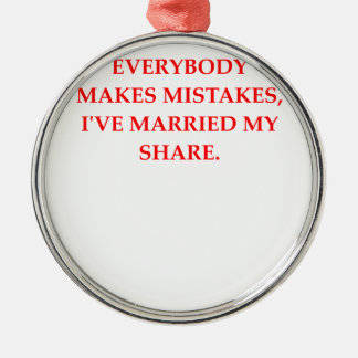 DIVORCE METAL ORNAMENT