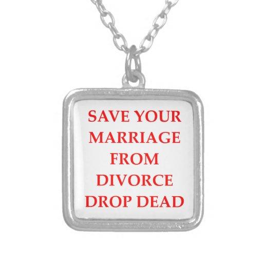 DIVORCIO COLLARES PERSONALIZADOS