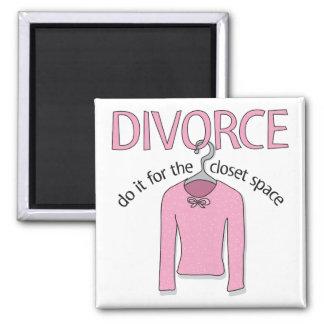 Divorcio para el espacio del armario imán cuadrado