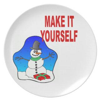 DIY Make Your Own Christmas Snowman Holiday Plate