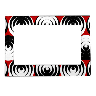Dizzy circles magnetic picture frame