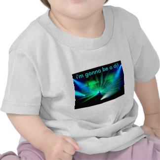 DJ en la camiseta del niño de las cubiertas
