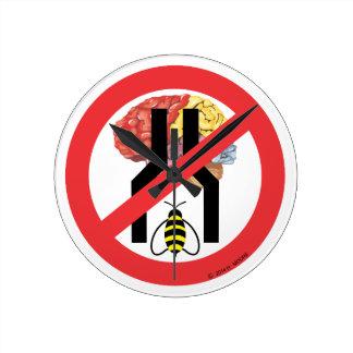 Do Not Bee Narrow Brained Round Wall Clock