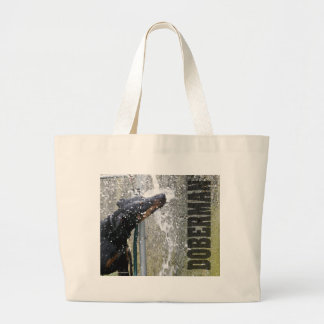 Doberman en la fuente bolsa tela grande