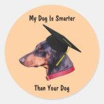 Doberman mi perro más elegante que el suyo etiquetas redondas