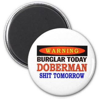 DOBERMAN WARNING 2 INCH ROUND MAGNET