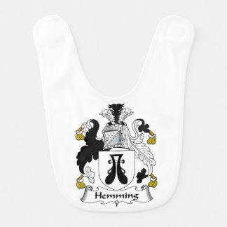 Dobladillar el escudo de la familia baberos para bebé