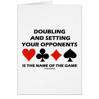 Doblando y fijando a sus opositores (puente) tarjeta de felicitación
