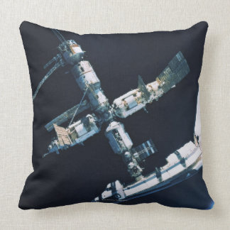Docked Space Shuttle 2 Throw Pillow