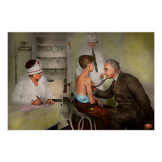 Doctor - At the pediatricians office 1925 Poster
