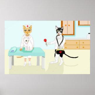 Doctor Cat y su pequeño paciente Posters