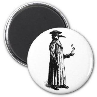 Doctor de la plaga con un Cuppa caliente Imán Redondo 5 Cm