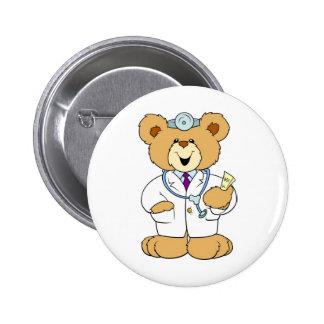 Doctor del oso de peluche pin redondo de 2 pulgadas
