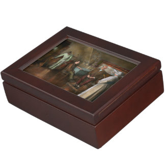 Doctor - Old fashioned influence - 1905-45 Keepsake Box