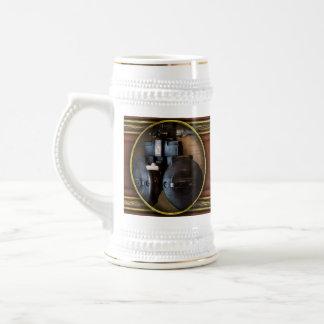 Doctor - optometría - un viejo phoropter taza de café