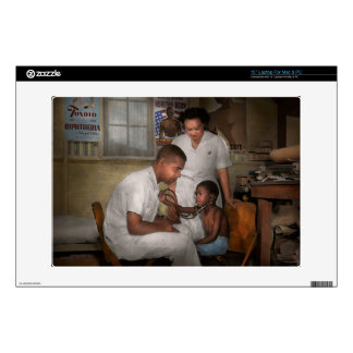 Doctor - Pediatrician - From the heart 1942 Skin For Laptop