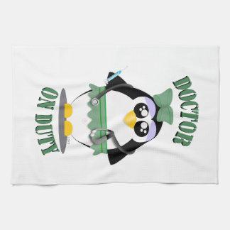 Doctor pingüino de servicio (femenino) toallas de cocina