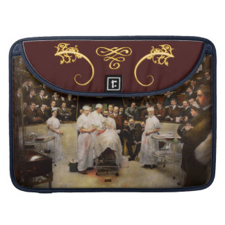 Doctor - Surgeon - Standing room only 1902 Sleeve For MacBooks