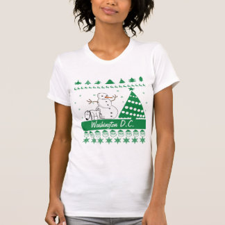 Dog Peeing on Snowman Ugly Christmas Sweater City T-Shirt