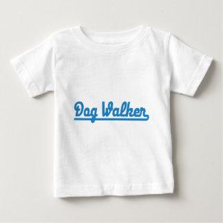 dog walker playera de bebé