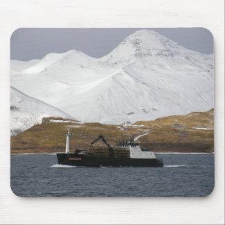 Dogo, barco del cangrejo en el puerto holandés, Al Tapetes De Ratones