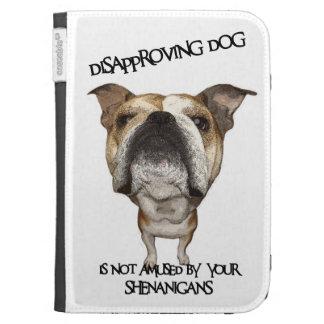 Dogo de desaprobación del perro no divertido por S