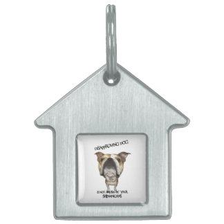 Dogo de desaprobación del perro no divertido por S Placa Mascota
