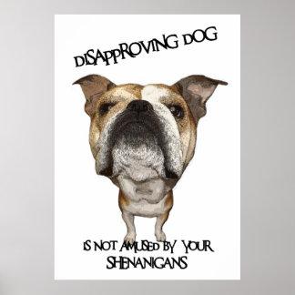 Dogo de desaprobación del perro no divertido por S Impresiones