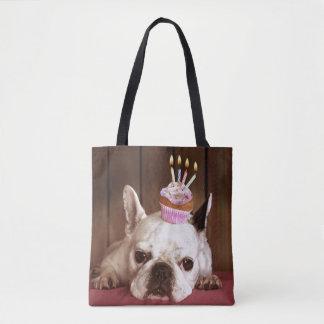 Dogo francés con la magdalena del cumpleaños bolsa de tela