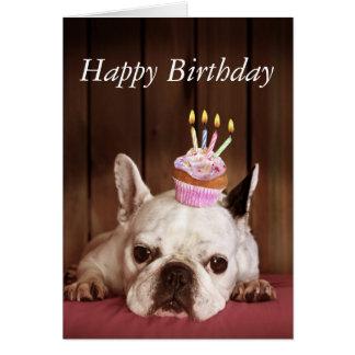 Dogo francés con la magdalena del cumpleaños tarjeta de felicitación